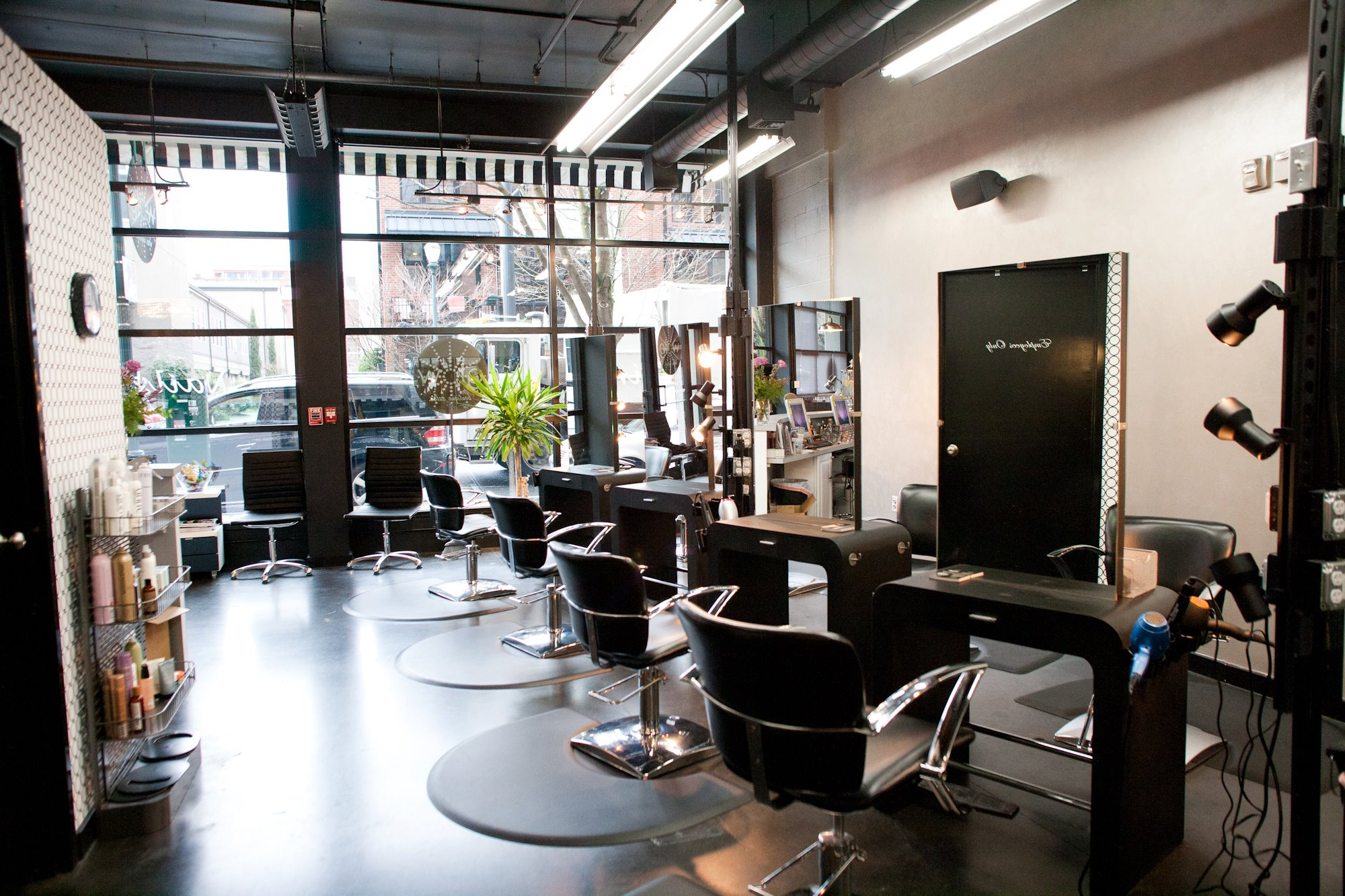 Glow Boutique Salon Pearl District Portland Listed On